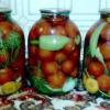 """Спробувала новий рецепт """"мариновані помідори ОСП (одна сусідка порадила)"""""""