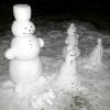 Зимові дачні забави: ліпимо сім'ю сніговиків